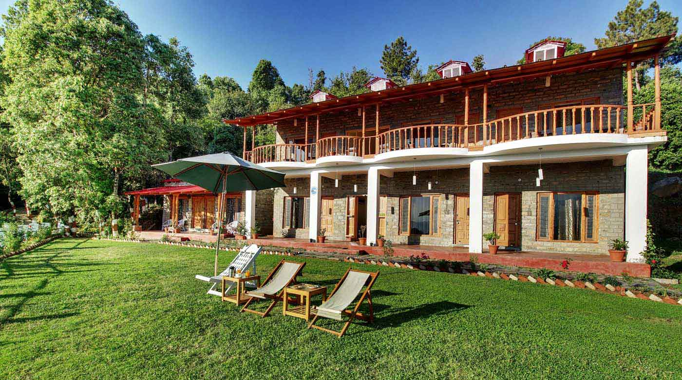 Summer Weekend Getaway to Kausani. Stay at hotel Chevron Mountain Villa